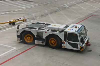 샹그릴라 공항 견인 차량 04