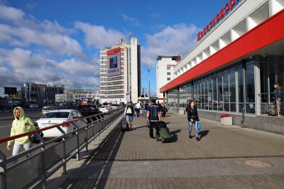 니즈니 노브고로드 역 광장 12