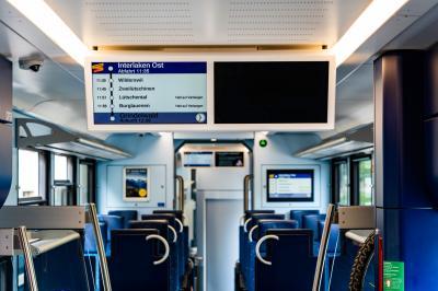 버니스 오버란트 철도 내부 안내 LCD 11