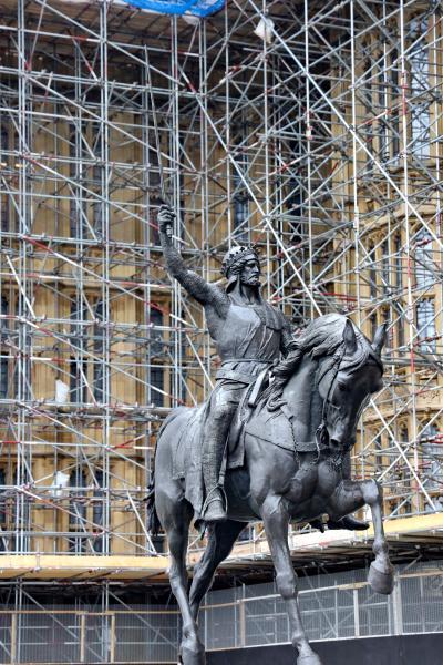 영국의회광장, 사자왕 리처드 동상 06