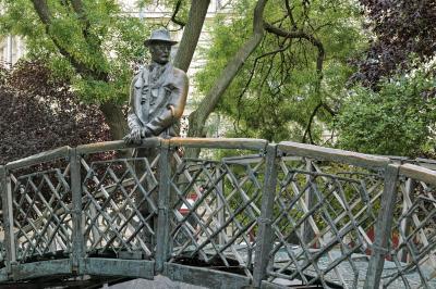 헝가리 의회 위대한 동상  02