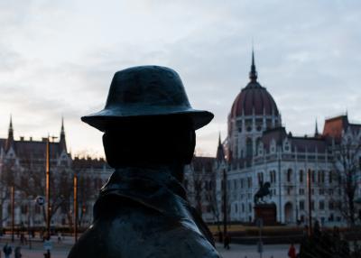 헝가리 의회 위대한 동상  03