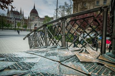 헝가리 의회 위대한 동상  04