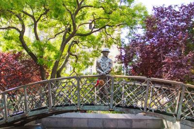 헝가리 의회 위대한 동상  06