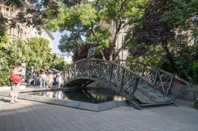헝가리 의회 위대한 동상  01