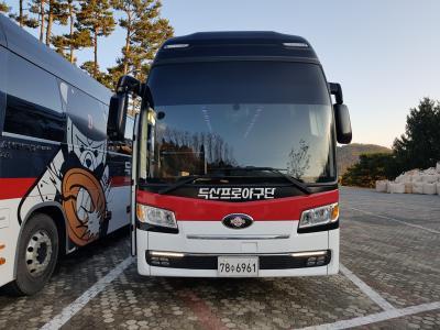 두산 베어스 야구단(버스)