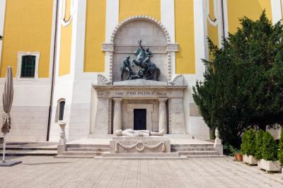 성 스데반 성당 영웅광장의 무덤
