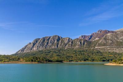 카스텔 산 빈첸초 호수