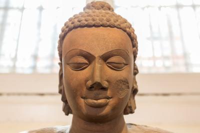 인도 박물관의 부처상