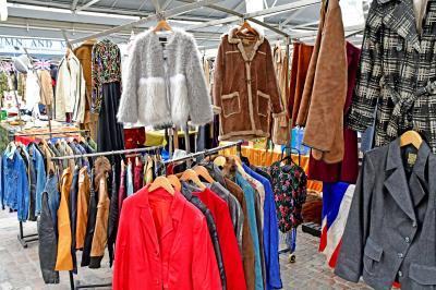 그리니치 시장의 옷판매 06