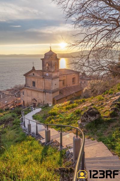 트레비냐노 로마노 성모마리아 가정교회