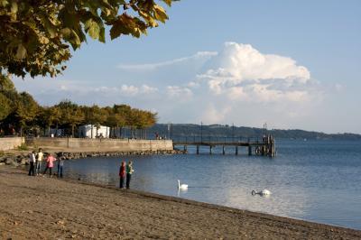 트레비냐노 로마노 브라치오네 호수변 06