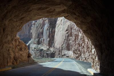 콜로라도 국립 기념물, 역사 탐방로에서 균형 바위까지 03