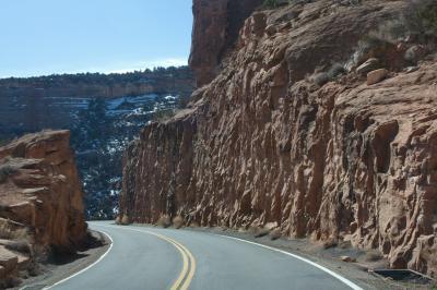 콜로라도 국립 기념물, 역사 탐방로에서 균형 바위까지 06