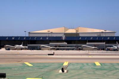 로스앤젤레스 국제공항, 아메리칸 격납고 06
