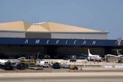 로스앤젤레스 국제공항, 아메리칸 격납고 02