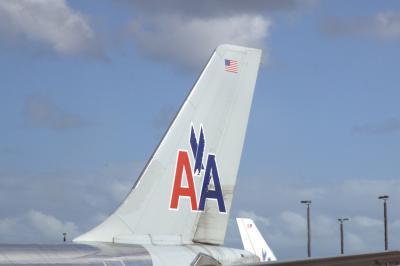 마이애미 국제공항, 아메리칸 항공 03