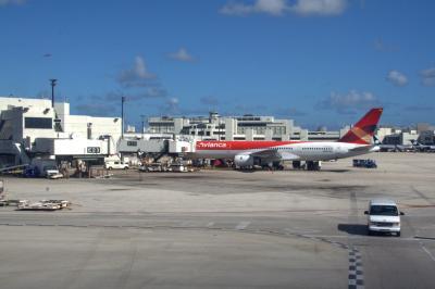 마이애미 국제공항 에이프런 01