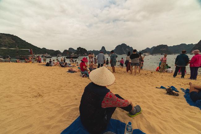 베트남4_하롱베이와 할머니2