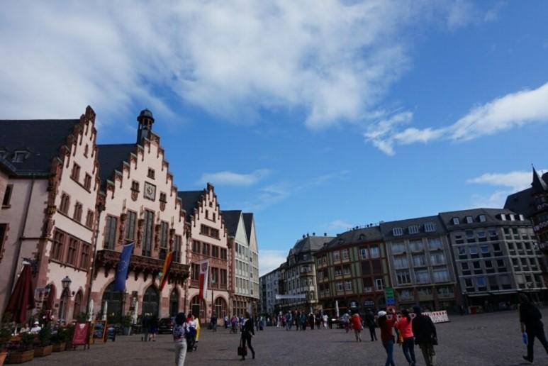 뢰머광장에서 독일 전통음식와 맥주를 즐기다!