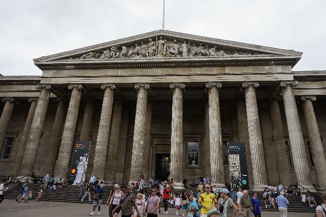 다양한 역사유물을 관람할 수 있는 영국박물관
