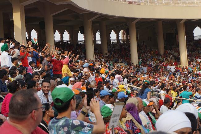 인도 국경에서 만난 세상 어디에도 없는 축제