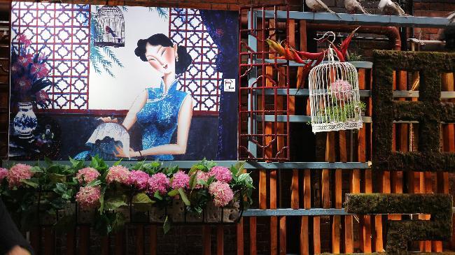 상하이, 차가운 마천루 속 도시의 매력
