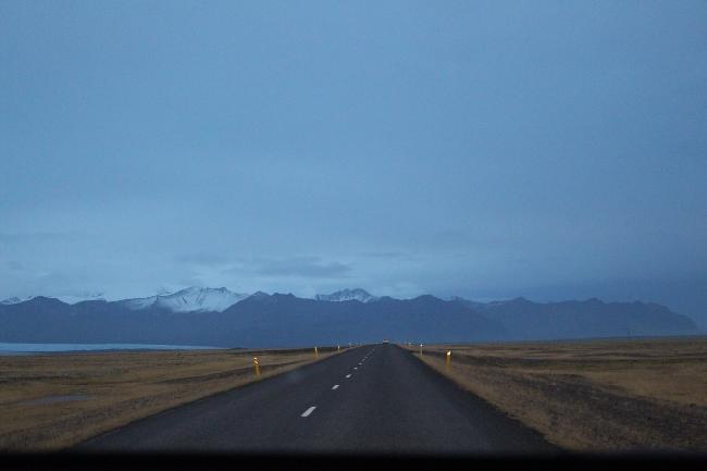 길을 따라가면 보이는 아이슬란드의 숨막히는 풍경