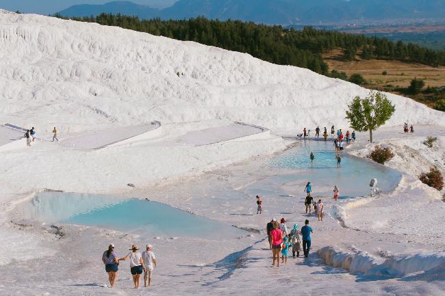 365일 흰 눈이 내린듯한 곳, 터키 파묵칼레