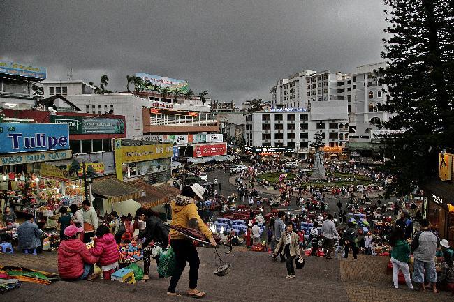 프랑스풍 도시 달랏, 동남 아시아만의 야시장