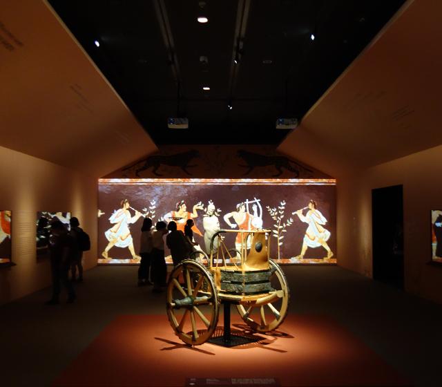 국립중앙박물관 에트루리아 展 - 모바일이미지