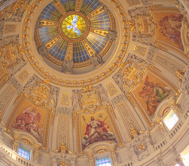 신성한 빛, 베를린 돔