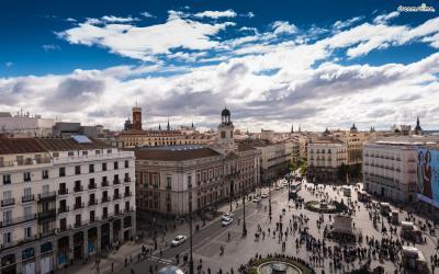 [2] 스페인 마드리드(Madrid, Spain)  1922년, 18세가 되던 해, 살바도르 달리는 스페인의 수도 마드리드로 향합니다.  달리는 스페인 최고의 미술학교인 산페르난도 왕립미술아카데미에 진학했고  입체파, 다다이즘, 프로이트 철학 등 다양한 사조들을 접하며 자신만의 미술세계를 더해갑니다.