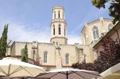 ▲피게레스 성 베드로 성당(Església de Sant Pere)  달리가 태어나자마자 세례를 받은 성당입니다.  10-11세기 경 지어진, 피게레스에서 가장 오래된 성당이며,  로마네스크 양식으로 지어졌다가 후에 고딕 양식이 더해졌습니다.  1989년, 달리의 장례식도 이곳에서 치뤄졌다고 하네요.