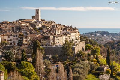[16] 프랑스 생폴드방스(Saint-Paul de Vence, France)  '샤갈이 사랑한 마을'로 알려진 생폴드방스.  샤갈 외에도 피카소, 마티스 등 여러 화가들도 이곳을 좋아했을만큼  멋진 풍경을 가진 남프랑스의 중세 마을입니다.  샤갈은 그의 마지막 20년을 이곳에서 보냈고,  1985년 3월, 향년 97세의 나이로 생을 마감합니다.