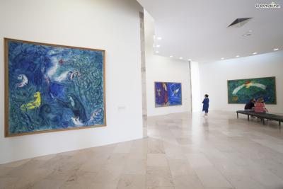 [13] 니스 샤갈 미술관(Marc Chagall National Museum, Nice, France)  니스의 샤갈 미술관은 프랑스 문화부에서 세운 국립 미술관입니다.  샤갈과 절친했던 작가 앙드레 말로가 프랑스 문화부 장관을 지낼 때  샤갈이 프랑스에 기증한 작품들을 모아 미술관을 세운 것인데요.  샤갈의 작품 450여 점이 소장되어 있으며, 종교화 컬렉션이 특히 유명합니다.