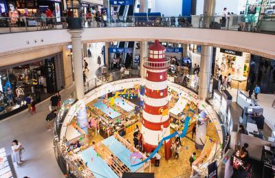 [가 볼 만한 곳] *미쉐린 가이드에 소개된, 룽 루언 쌀국수  *공항을 콘셉트로 지어진 쇼핑몰, 터미널21  *방콕 3대 재즈바, 더 리빙룸