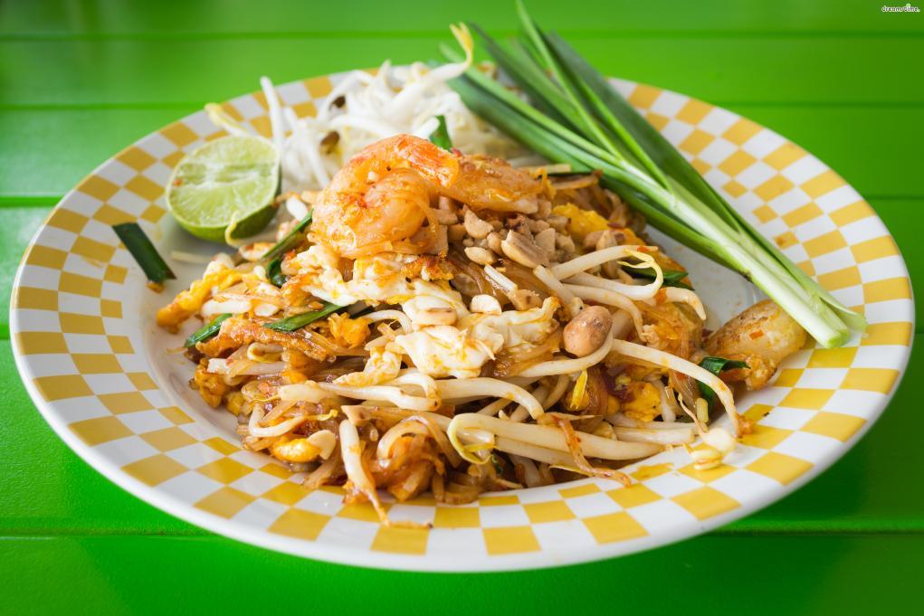 ▲태국의 대표적인 음식, 팟타이(Phat Thai).  쌀국수에 숙주나물을 넣고 볶은 국수다.