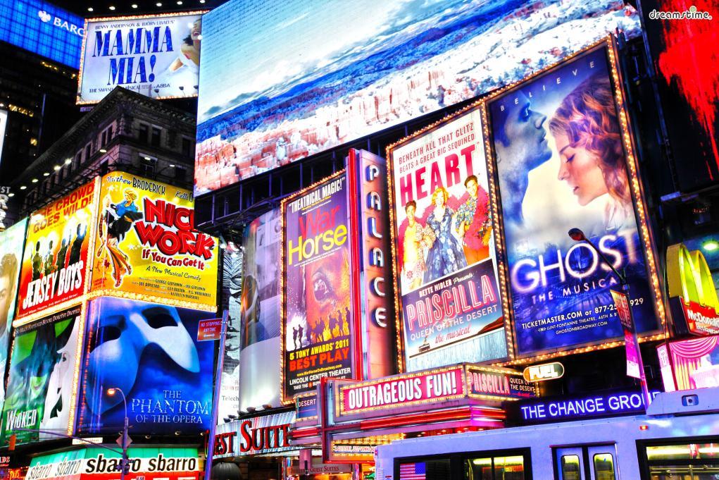 수많은 영화 속 배경이 될 만큼매력적인 도시 뉴욕.  뉴욕에서 반드시 해보아야 하는 것들은 어떤 것이 있을까?