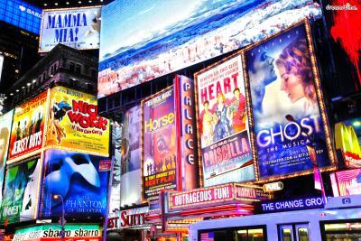 수많은 영화 속 배경이 될 만큼 매력적인 도시 뉴욕.  뉴욕에서 반드시 해보아야 하는 것들은 어떤 것이 있을까?