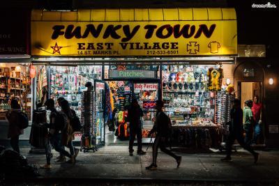 [가 볼 만한 곳] *뉴욕에서 가장 큰 독립서점, Strand Bookstore  *요즘 블루보틀보다 인기 많다는 유기농 커피 브랜드 Think Coffee  *뉴욕 안의 작은 도쿄, 세인트막스(St. Marks Place)