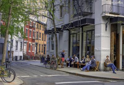 [5] 그리니치 빌리지(Greenwich Village)  1960년대 가난한 예술가들이 모여살던 그리니치 빌리지는  애드가 앨런 포, 헨리 제임스, 월트 휘트먼, 잭슨 폴록 등  미국의 수많은 예술가를 배출해낸 곳으로,  자유로운 보헤미안 풍의 분위기가 물씬 풍기는 곳이다.
