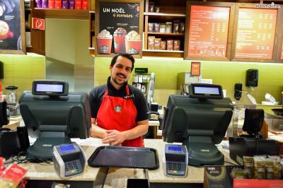 [8] 커피 즐기기  스타벅스, 블루보틀, 띵크커피 등 뉴욕은 그야말로 커피 천국이다.  우리나라에서 체인으로만 보았던 커피 브랜드들의  본점을 찾아 방문해보는 재미도 쏠쏠하다.