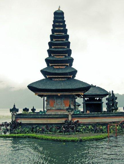 LAKE BRATAN BALI, INDONESIA