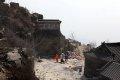 태산 벽하사 문과 계단