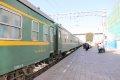 투루판화차역 광장 기차