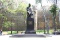 사비르 동상