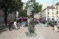 생 제르맹 데프레 교회 앞 조각상