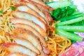 중국식 계란국수와 돼지고기