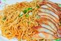베트남의 음식-돼지고기를 곁들인 중국식 볶음국수
